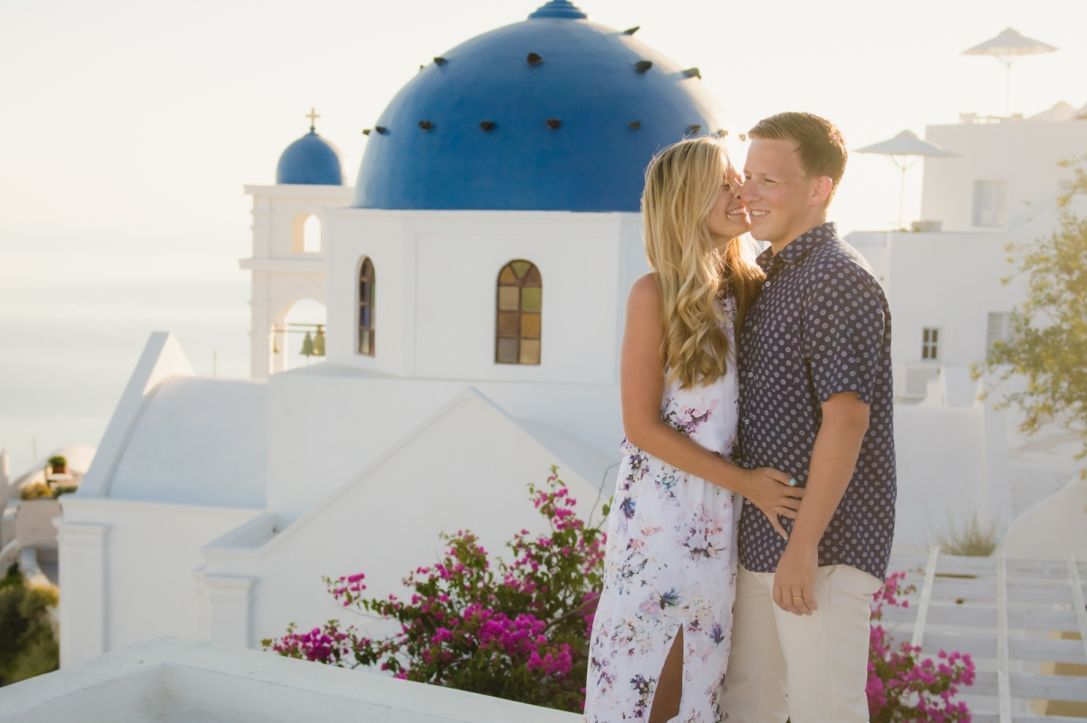 elope-wedding-santorini-elopement-couples-photo-shoot-001