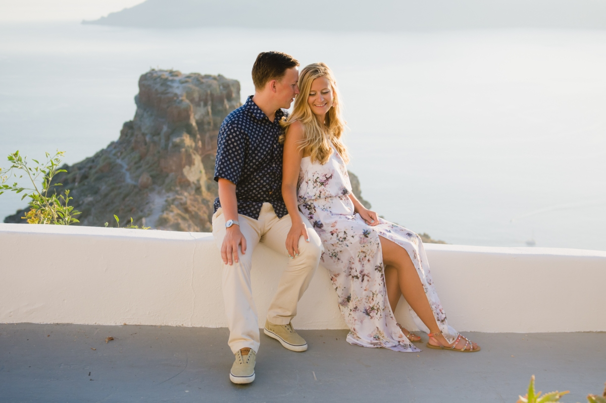 elope-wedding-santorini-elopement-couples-photo-shoot-004