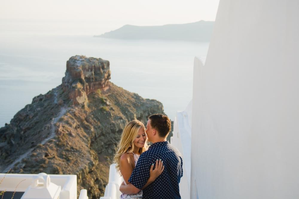 elope-wedding-santorini-elopement-couples-photo-shoot-007