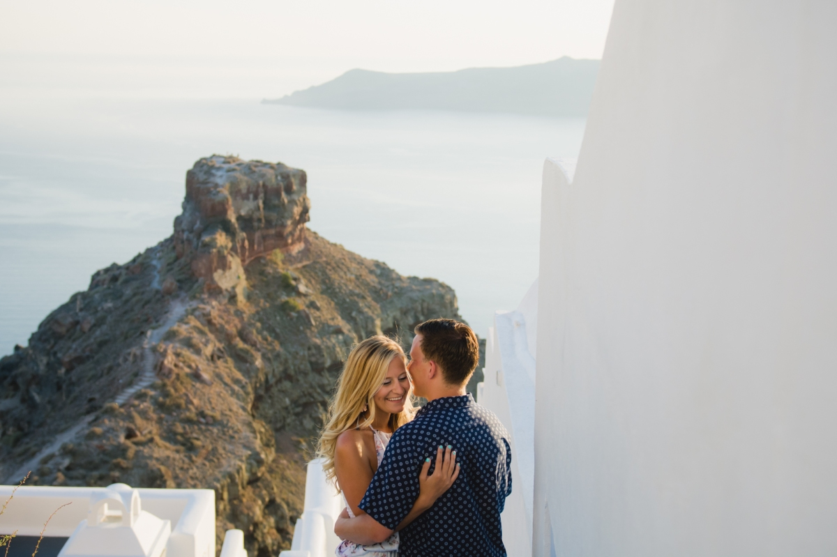 elope-wedding-santorini-elopement-couples-photo-shoot-007