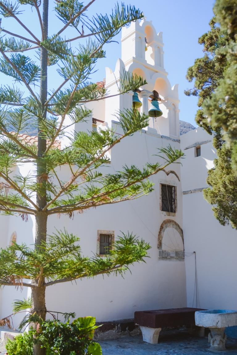 panagia-episkopi-santorini-mesa-gonia-village-explore-find009
