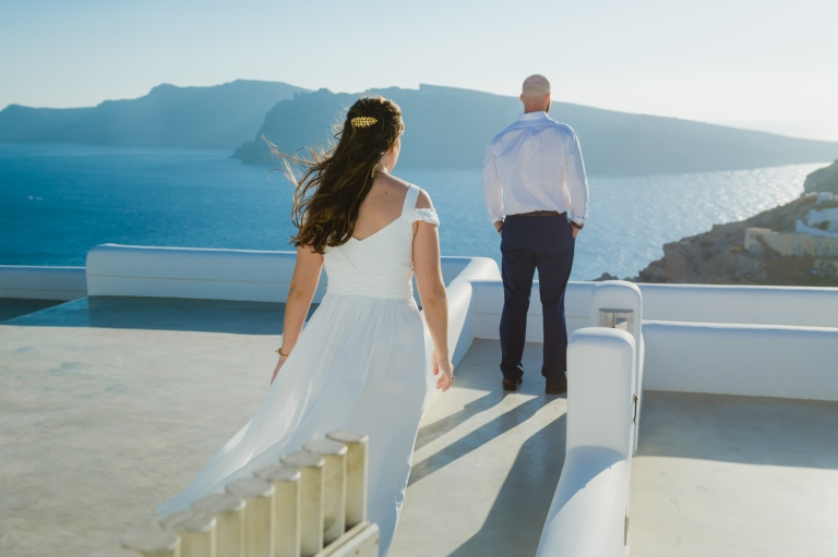 santorini-first-look-vow-exchange-destination-elopment-greece-001
