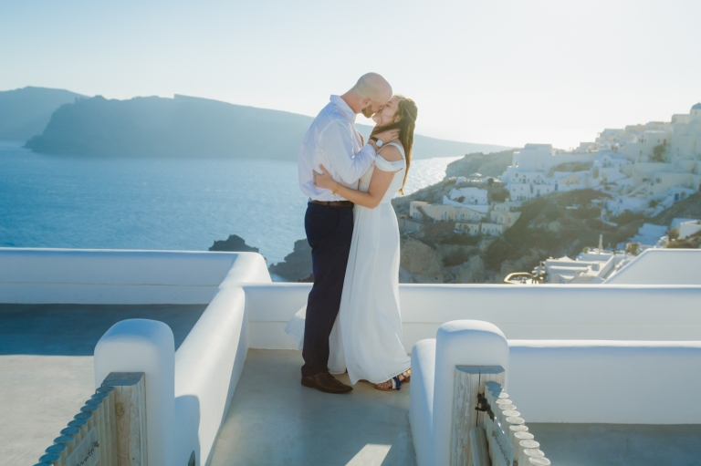 santorini-first-look-vow-exchange-destination-elopment-greece-004
