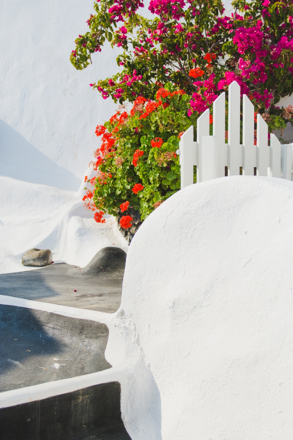 santorini-greece-traveling-romatic-tips-questions