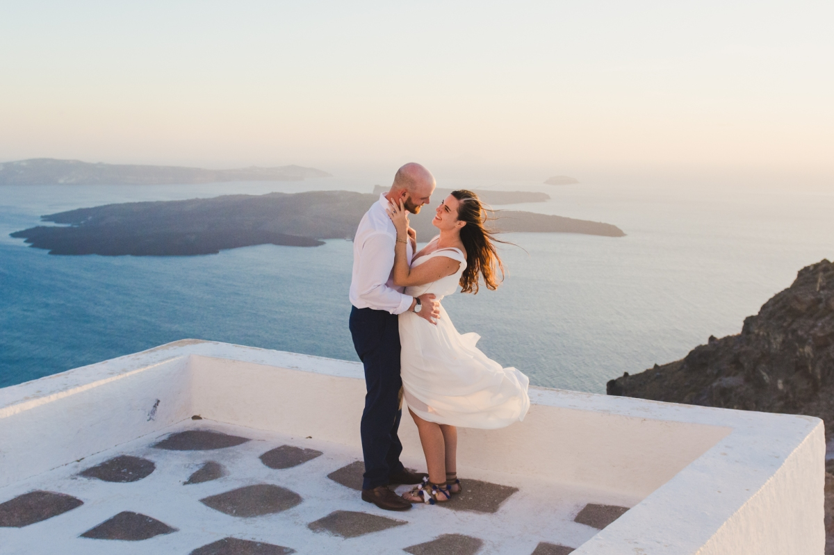 santorini-photographer-post-wedding-prewedding-photo-shoot-session-vow-exchange-004
