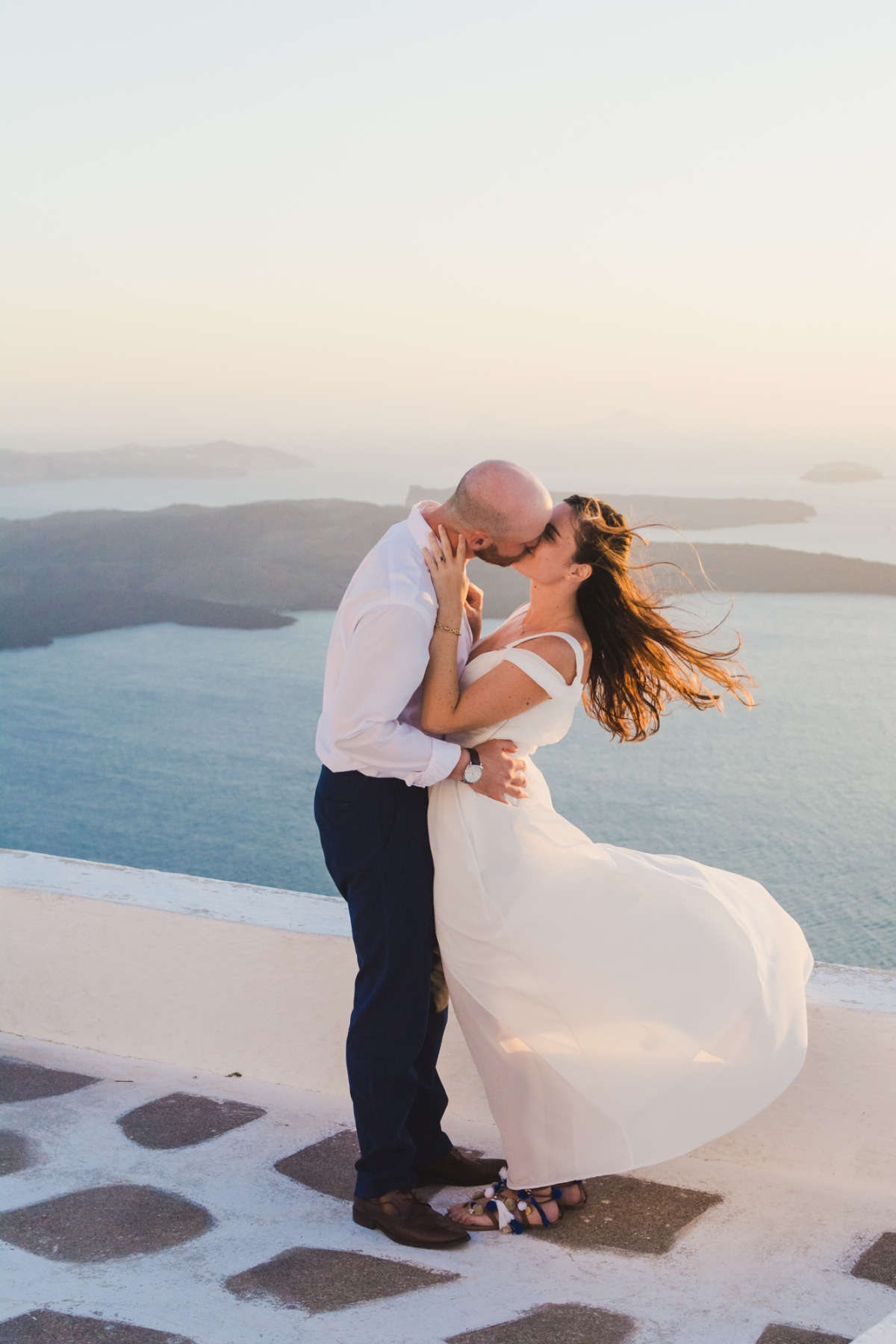 santorini-photographer-post-wedding-prewedding-photo-shoot-session-vow-exchange-006