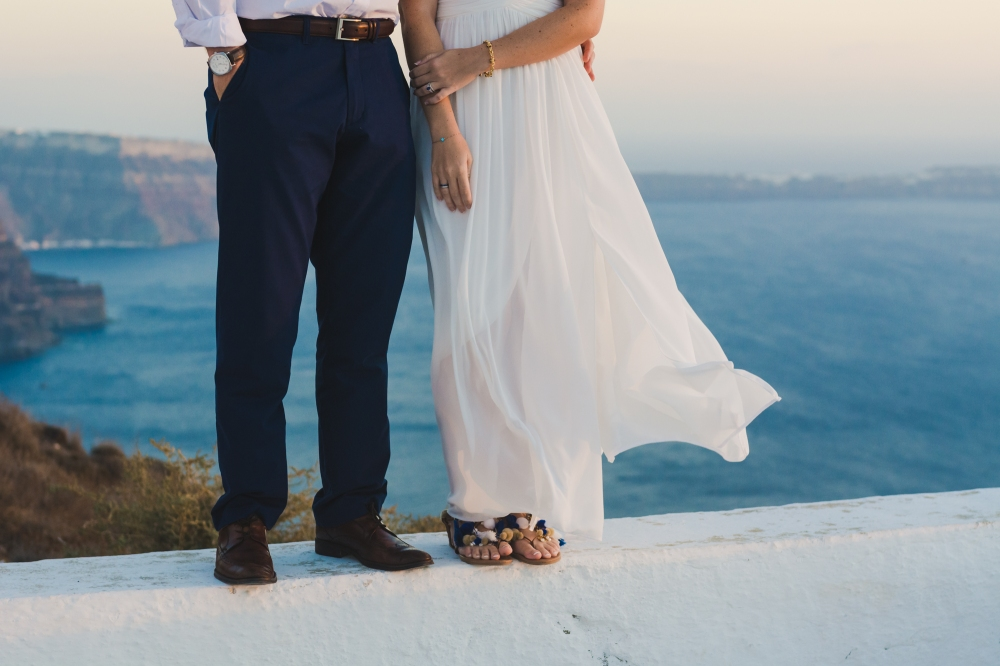santorini-photographer-post-wedding-prewedding-photo-shoot-session-vow-exchange-007