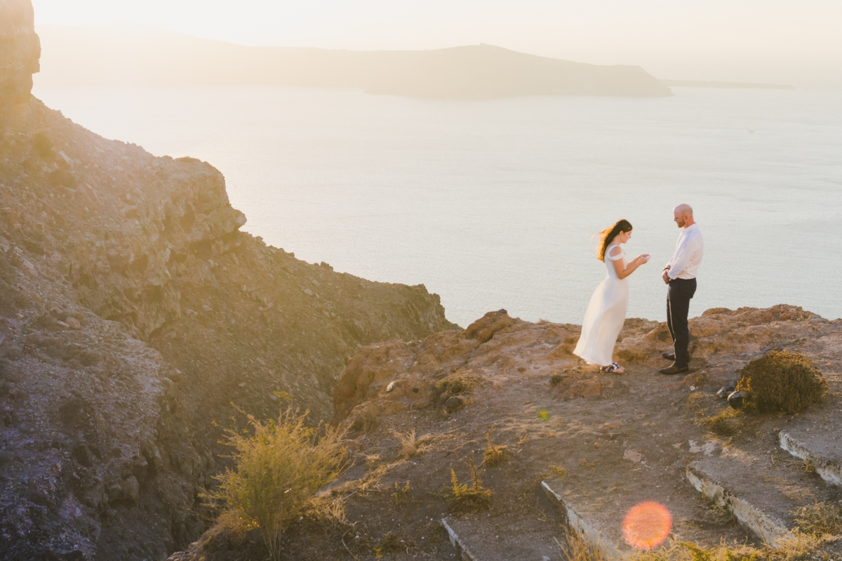 santorini-vow-exchange-destination-elope-intimate-wedding-greece-002