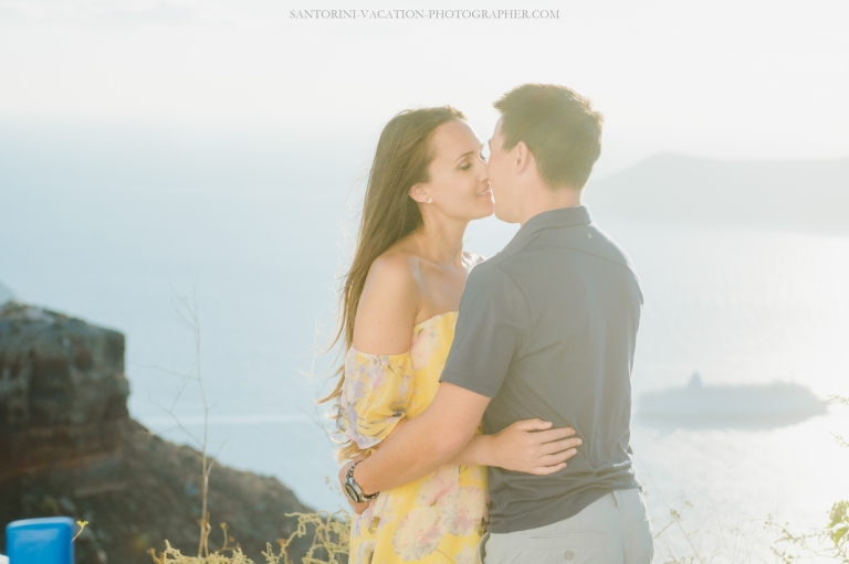 destination-photo-shoot-santorini-vacation-honeymoon-session-005