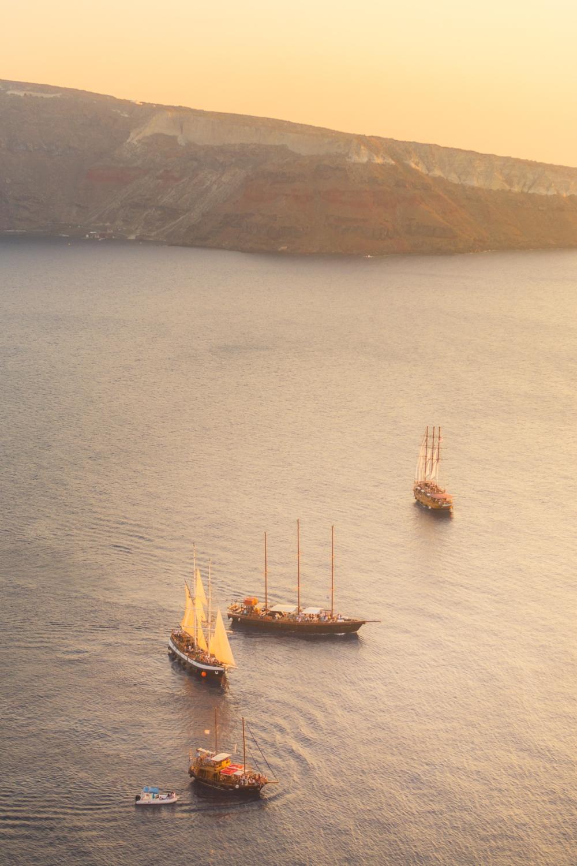 wedding-honeymoon-gift-santorini-sunset-cruise