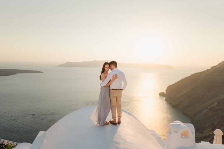 Santorini-photographer-Anna-Sulte-photoshoot-001