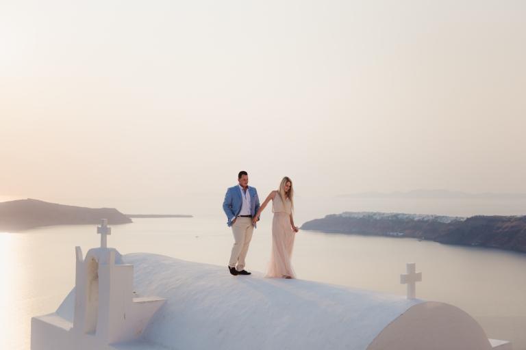 Santorini-photographer-Anna-Sulte-photoshoot-003