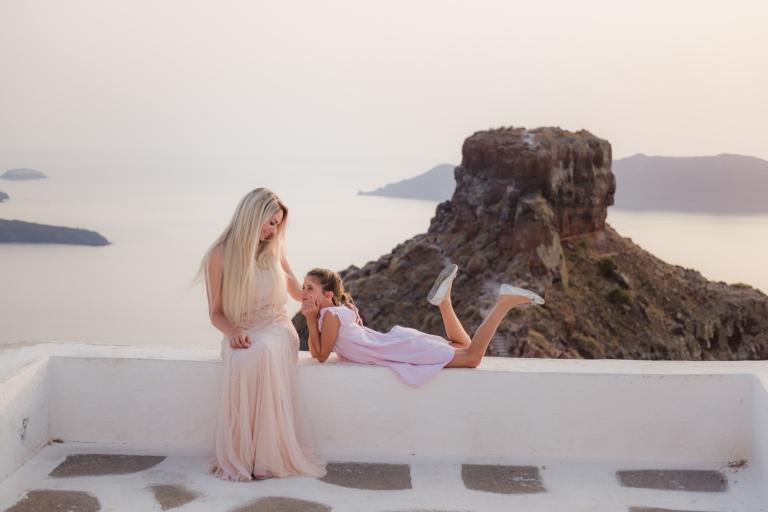 Santorini-photographer-Anna-Sulte-photoshoot-004