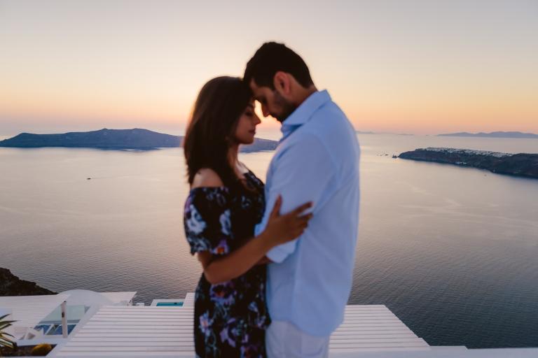 Santorini-photographer-Anna-Sulte-photoshoot-007