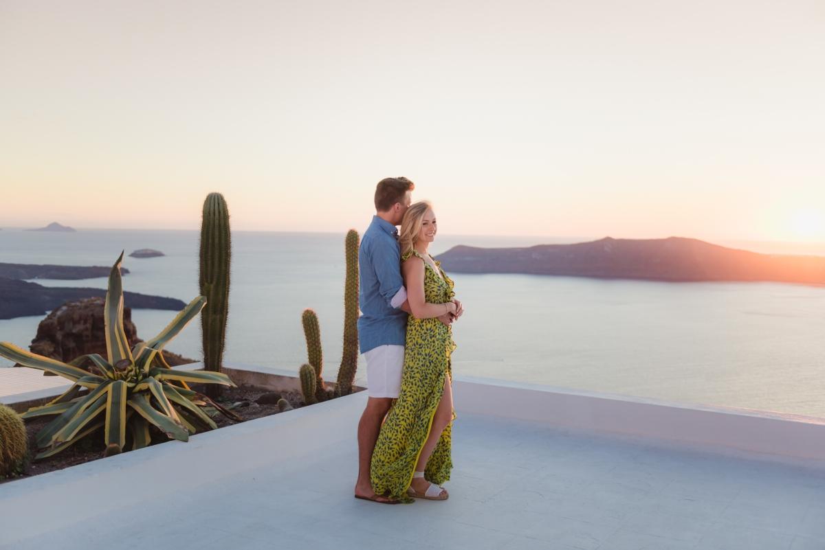 Santorini-photographer-Anna-Sulte-photoshoot-008