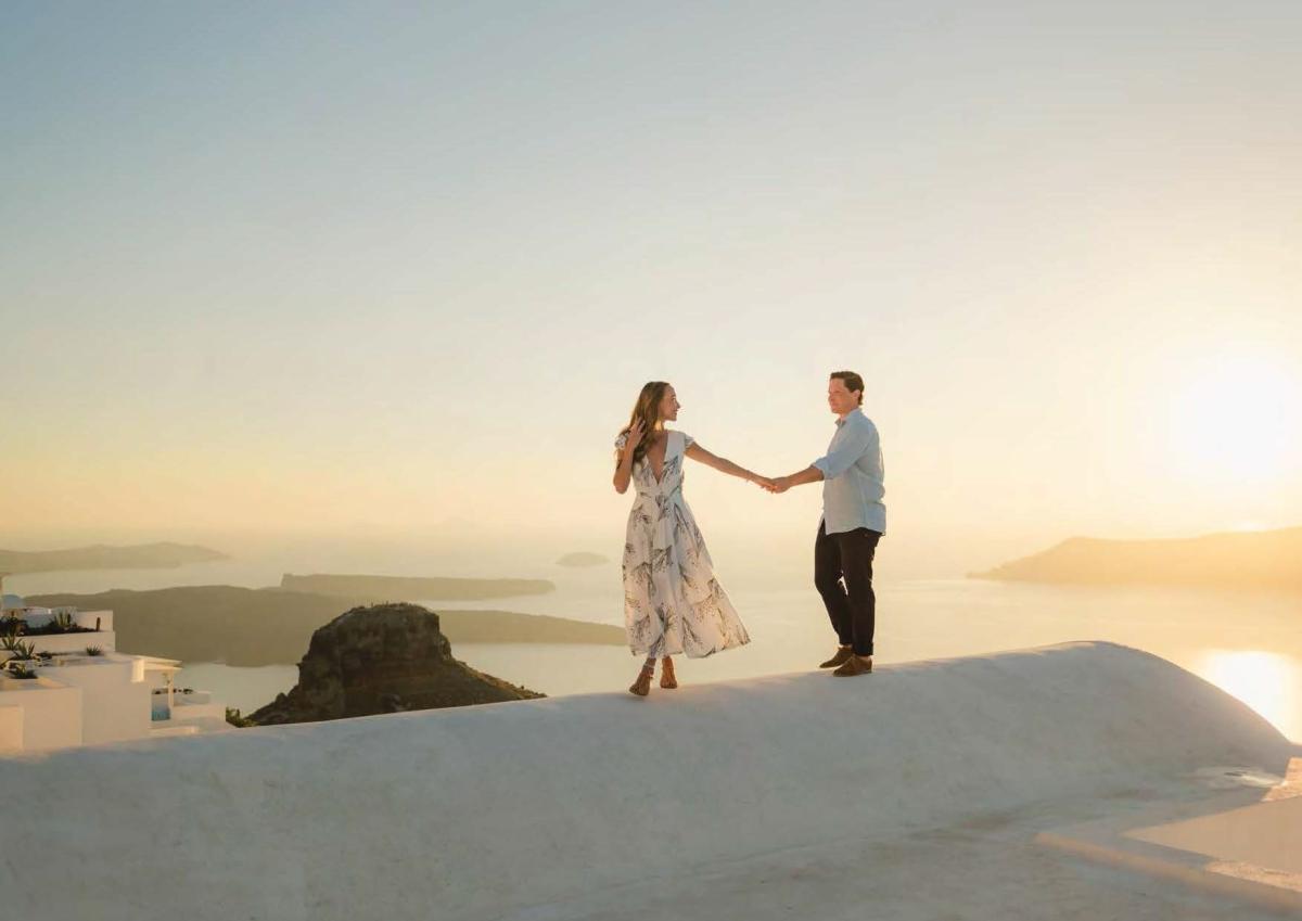 Santorini-photographer-Anna-Sulte-photoshoot-010