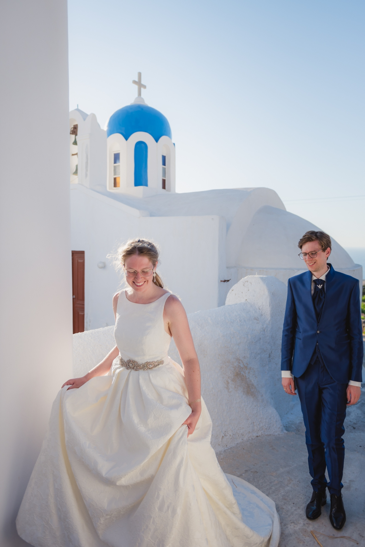 Santorini-post-wedding-shoot-on-the-greek-island-001