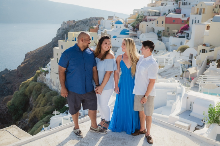 Santorini-trip-friends-vacation-family-001