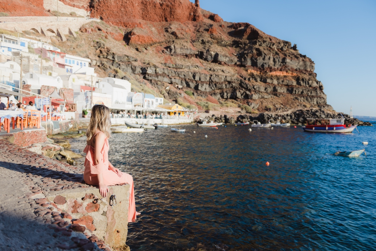 Anniversary-Santorini-Amudi-bay-photo-shoot-004