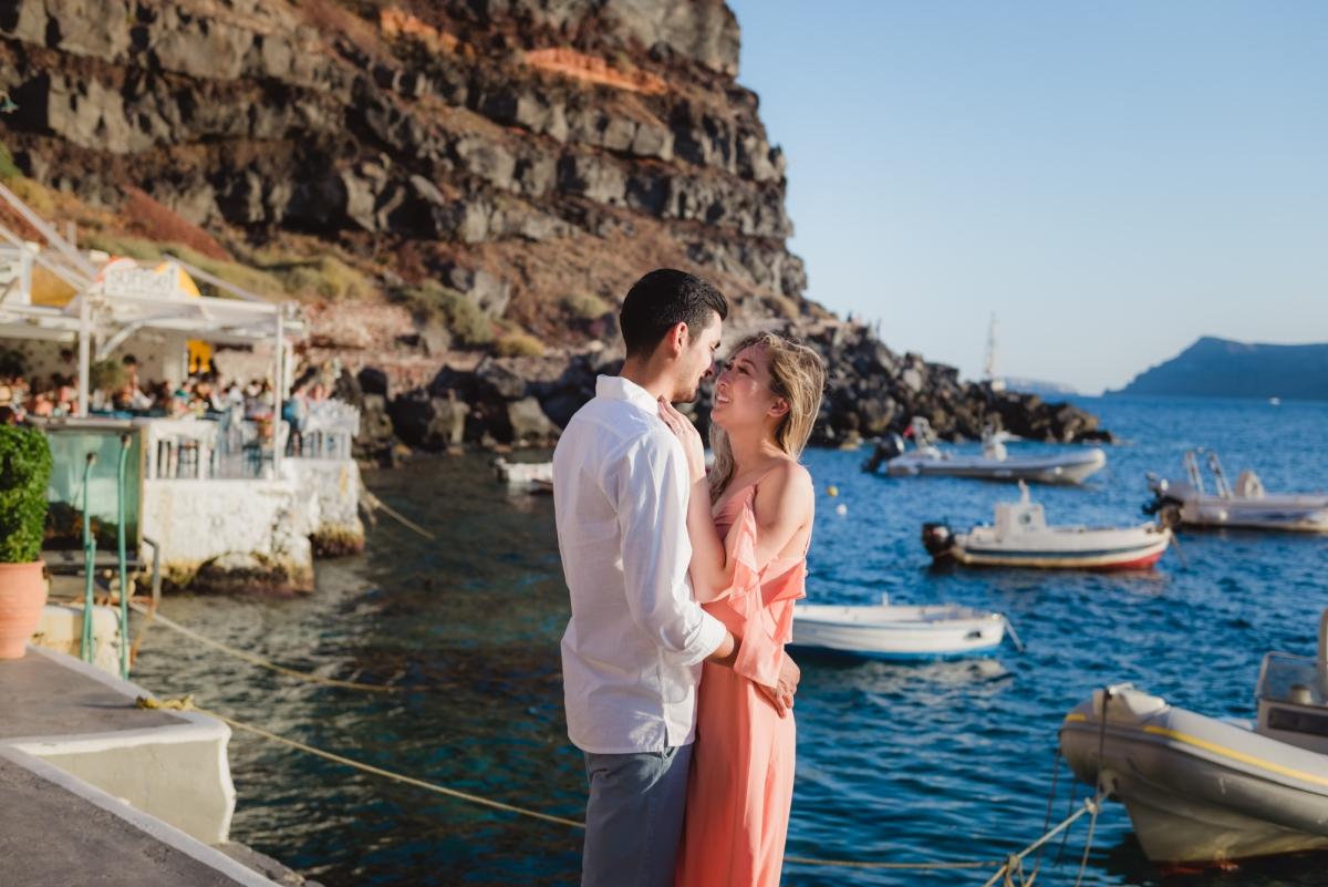 Anniversary-Santorini-Amudi-bay-photo-shoot-006