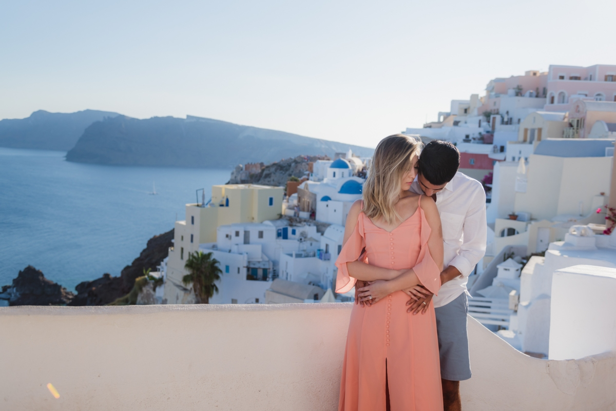 Wedding-anniversary-in-Santorini-village-Oia-005