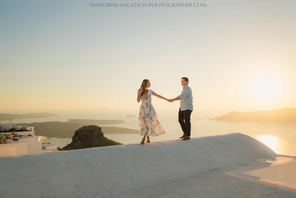 santorini-sunset-photo-session-couples-shoot--6