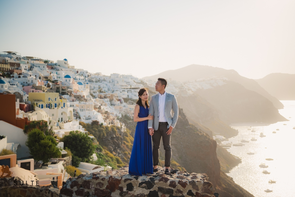 Santorini honeymoon photoshoot in Oia with caldera view.