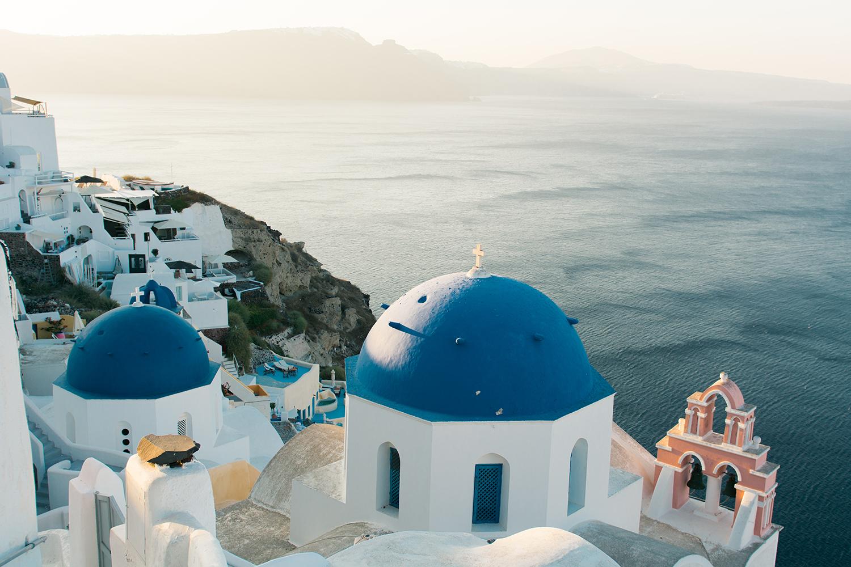 When to visit Santorini?